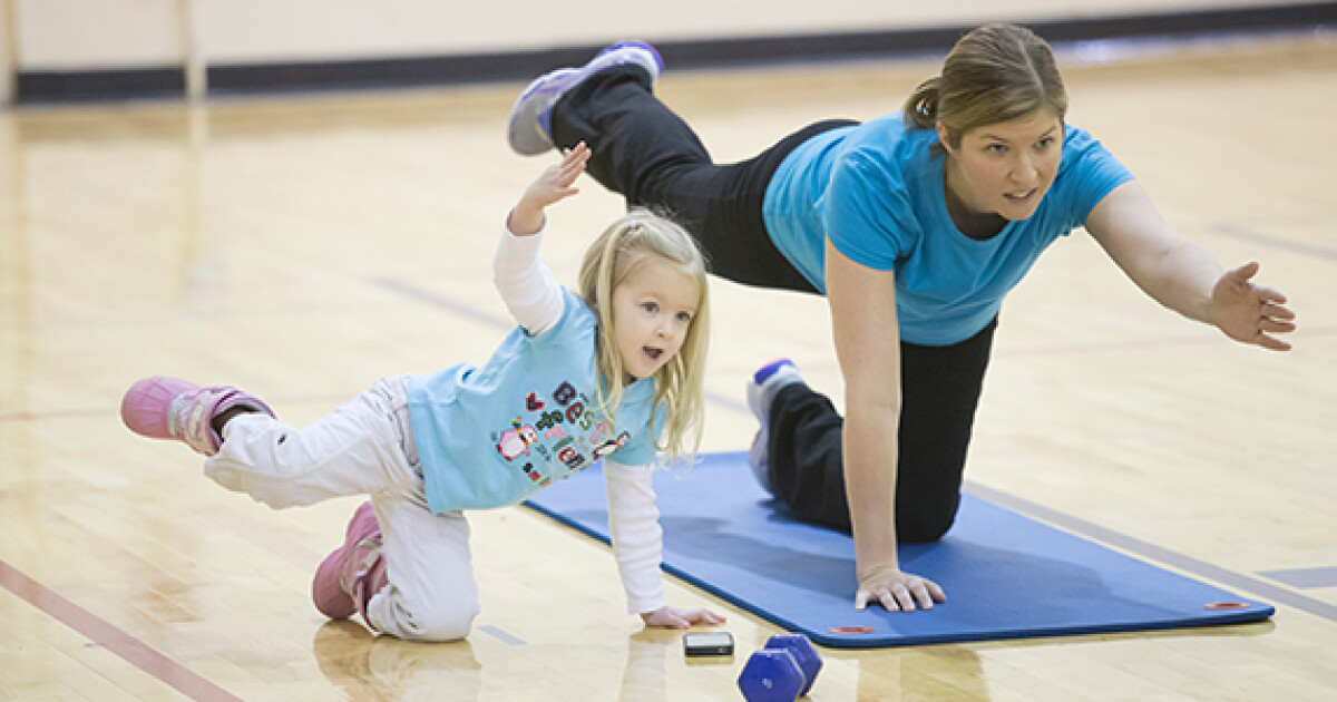 An interactive class designed for moms of all ages. Includes walking/running intervals combined with instructor-led strengthening exercises. Kids and strollers are welcome!