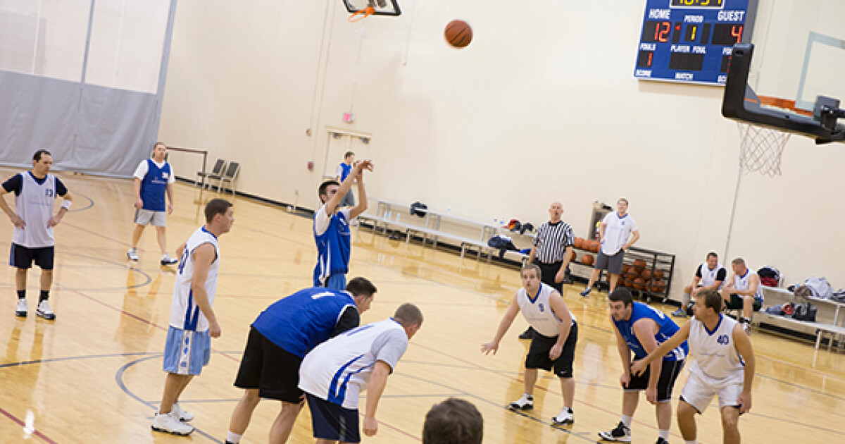 7-week regular season followed by a 2-week, single-elimination tournament. All games take place on Sundays. Leagues are divided by skill level including Men's 40+, Rec A, Rec B & Rec C.