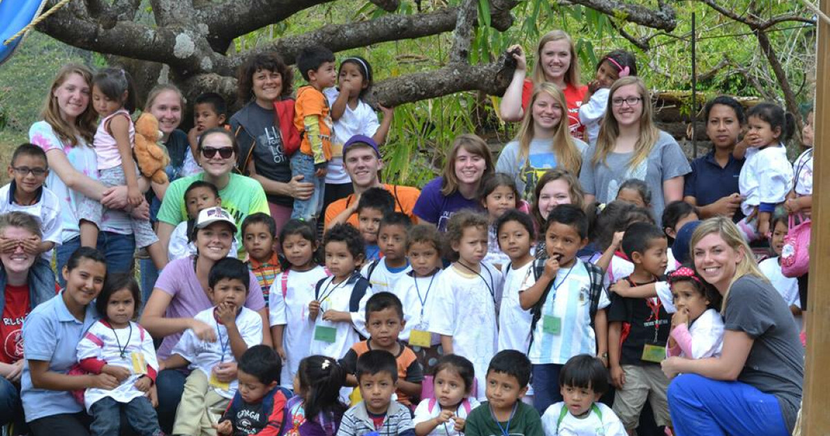 Meet and spend time with your sponsored child, 4 days of VBS with children of Los Verdes at Learning Center. Activities for the week include participating in a community project, home visits, taking children on field trip and participating in a...